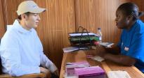 """王嘉非洲探访 为赞比亚""""零疟疾""""建言献策"""