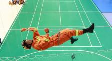"""杜江拼了! 體驗消防救人高空繩索攀爬 結果卻被""""騙了"""""""