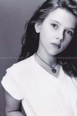 实力演绎从小美到大年夜!斯嘉丽·约翰逊11岁照片曝光