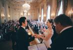 6月2日,钢琴家郎朗与24岁德韩混血钢琴家Gina Alice,在法国凡尔赛宫举行婚礼。两人牵手许下对彼此的饰演,在宾客的见证下甜蜜亲吻。据悉,周杰伦、昆凌夫妇,约翰·传奇夫妇等都在台下观礼。