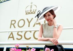 林志玲與英王室成員同看賽馬 升級當人妻后首現身