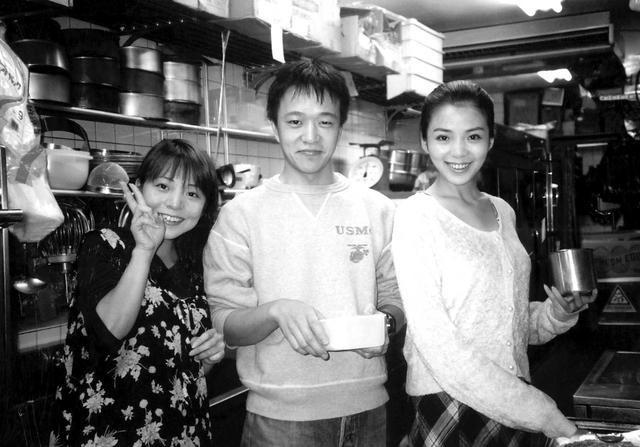 央视主持朱迅青涩旧照曝光被指像anglebaby,网友:比baby美多了
