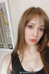 古早混血模特藤井莉娜宣布当妈 曾与汪东城传绯闻