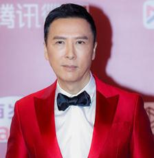 甄子丹谢霆锋携新片《怒火·重案》亮相上影节红毯