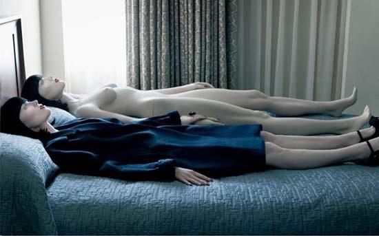 梅甘福克斯吻自己v性感人偶上演性感之恋完美加女同舞台图片