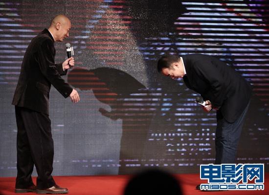陈凯歌当面向葛优鞠躬表示感谢