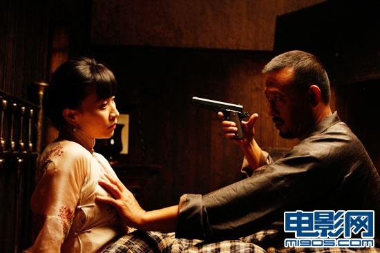刘嘉玲拍激情戏不用备案 叹《2046》裸戏被剪图片