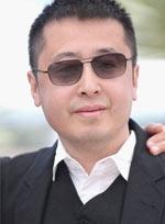 评审团亮相室外发布会 贾樟柯戴黑超帅气现身