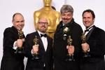 《星际穿越》夺最佳视觉效果奖 主创人员秀金人