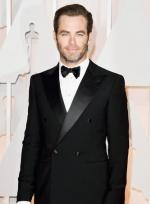 克里斯·派恩亮相红毯 留络腮胡须尽显成熟魅力