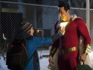《雷霆沙赞!》正式预告片 反派博士登场狂揍主角