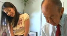 回顾迪士尼华裔动画师弥尔顿·奎现场教画米老鼠