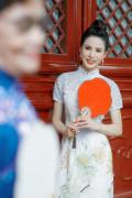 李若彤与妈妈旗袍写真曝光 母女合体尽显优雅高贵