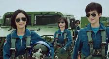 《烈火英雄》上映暑期档进入高潮期 《我和我的祖国》发布新海报