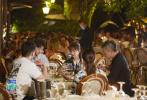 """8月9日晚,《中餐厅》第三季播出第三期。首次营业告捷,五位青春合伙人黄晓明、秦海璐、王俊凯、杨紫、林述巍吸取经验为往后的营业做准备。不过即使合伙人们想出了一套解决方案,在第二天的经营过程中依然状况连连,开餐厅不易,在""""西餐之母""""发源地开中餐厅更是难上加难。"""