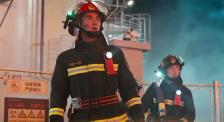 《烈火英雄》打開國產救險電影新思路 《保持沉默》一人分飾兩角