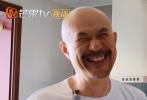 8月27日,全新真人秀节目《一路成年》播出先导片。节目中,暖心父子徐锦江和徐菲的相处模式令人忍俊不禁。