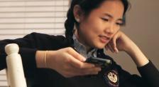 纪录片《零零后》:多元世界 父母和子女都该学会接纳成长