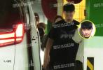9月11日,有八卦媒体曝光近日跟拍陈赫的画面。据爆料称,当天陈赫一家外出聚餐,饭后陈赫带着女儿安安现身车库。陈赫一身黑色休闲服跟在安姐身后,伸手摸着安姐的小脑袋,眼中全是宠爱。