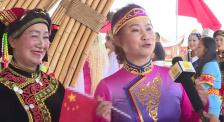 直播活动中昆明观众表达激动心情 身为中国人感到光荣
