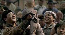 《足跡》3000名孤兒被一個民族收養,他們卻從不宣揚
