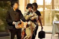 滨崎步母亲贴手迹纪念女儿产子 11月产前出街被拍