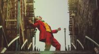 精彩!快來回顧《小丑》中經典動作階梯熱舞吧!