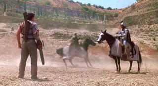 男子穿越回古代,靠着电锯、猎枪称王称霸,一部搞笑奇幻电影