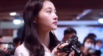 《记住这个画面》MV拍摄 关晓彤优雅气质化身专业摄影师