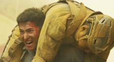 《急先锋》杨洋背艾伦穿越火线 双腿跪地摔倒