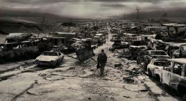 人類內戰摧毀大氣層,太陽輻射灼燒大地,文明消亡殆盡!