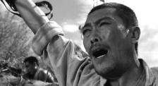 """《今日影评·电影党课》:团结一心的""""抗战精神"""""""