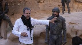 《沙丘》导演批漫威电影被《第九区》导演骂了